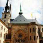 Katedraalia ja kotiseutua
