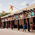 Savitiilinen Santa Fe, konkistadoreja ja intiaaneja