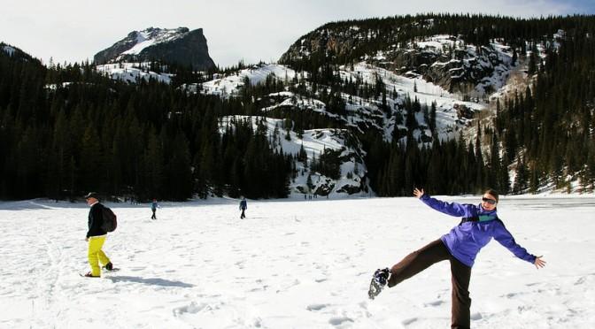 Lumikenkäilyä Kalliovuorten kansallispuistossa
